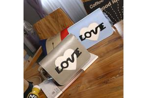 Стильная сумка почтальон Love
