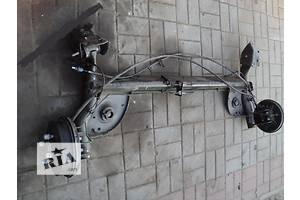 Балки задней подвески Renault Sandero