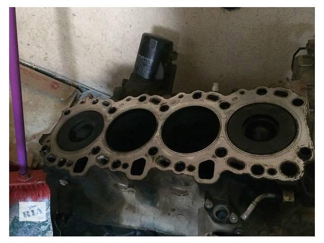 купить бу Блок двигателя Toyota Camry 3.0 в Ужгороде
