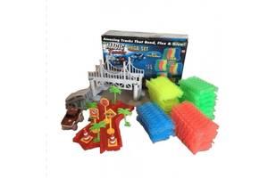 Гибкая гоночная трасса трэк-конструктор с мостами и трамплинами Kronos Toys Magic Tracks 360 деталей светящаяся машин...