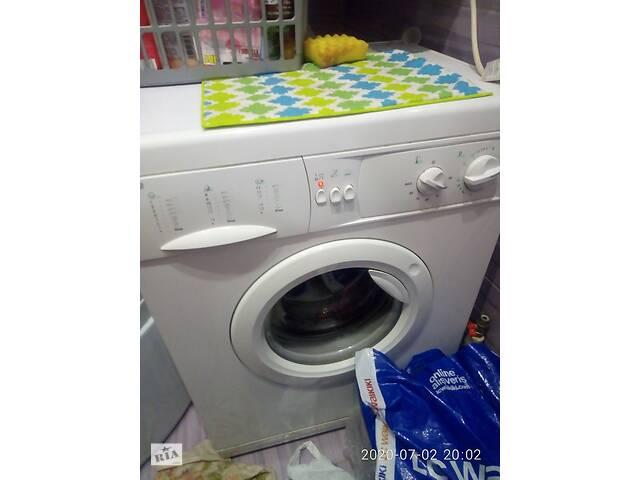 Продам рабочую стиральную машину автомат INDESIT. 1500 грн.- объявление о продаже  в Краматорске