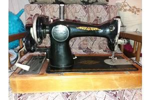 Продам ручную Швейную машинку ПМЗ им. Калинина 50-е года выпуска