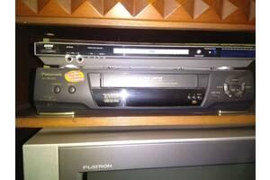 Відеомагнитофон кассетный Panasonic NV-SD225EU