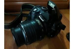 Професійні фотоапарати Nikon D3100