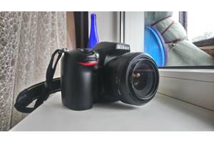 б/в Професійні фотоапарати Nikon