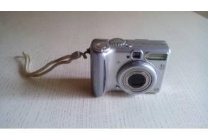 б/в Цифрові фотоапарати Canon