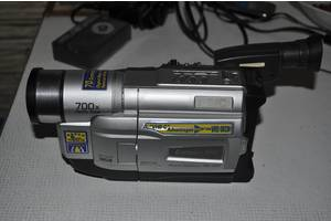 б/в Аналогові відеокамери JVC
