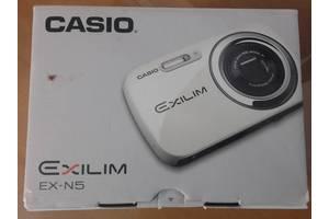 Компактні фотокамери Casio