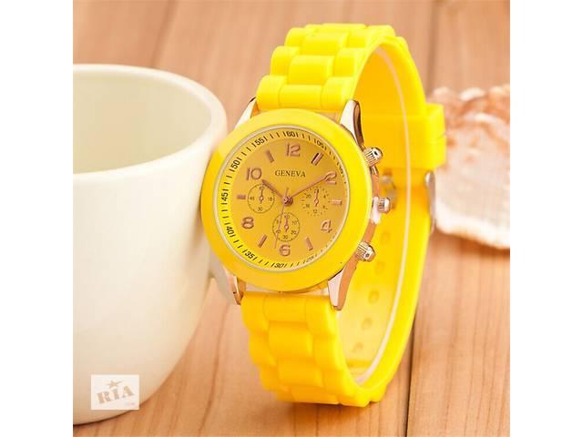продам Часы наручные часы желтые мятные голубые красные белые черные шоколадные бу в Кривом Роге (Днепропетровской обл.)