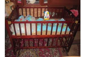 б/в Дитячі ліжечка Geoby Goodbaby