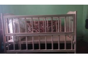 б/в Дитячі ліжечка Golden Baby