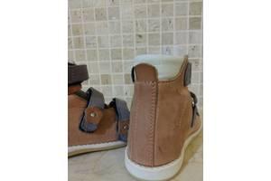 б/в Дитяче ортопедичне взуття