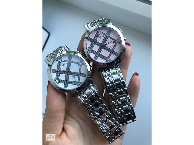 купить бу часы кварцевые женские  burberry Art. cloc-775148194 в Харькове