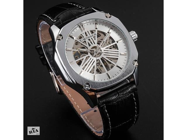 продам Механические наручные часы Winner lux silver бу в Кривом Роге