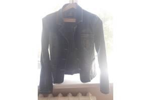 Джинсовый женской пиджак размер L