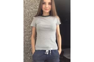 б/в Жіночі футболки, майки, топи Pull & Bear