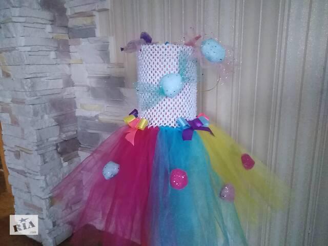 Новогодние праздничные костюмы, платья, юбки, головные уборы