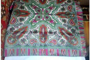 Платок женский головной с ярким орнаментом