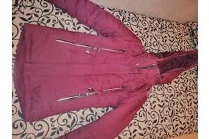 Продается зимняя детская куртка, цвет марсал