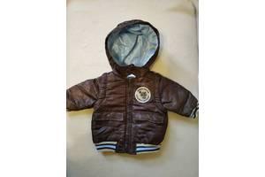 Продам детскую курточку с капюшоном весна-осень на 12-18 месяцев