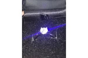Продам новое кольцо DiamonFire