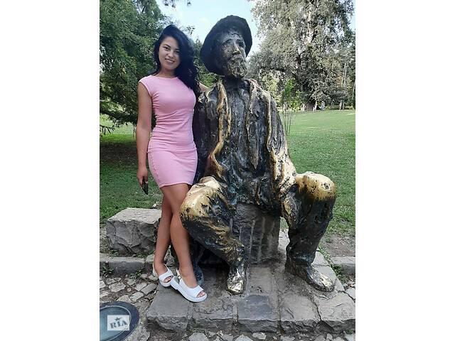 продам Продаж суконь бу в Ужгороде
