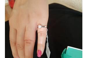 Серебряное кольцо с фианитами. Размер 15,5. Серебро 925 пробы