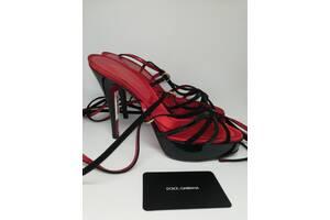 Шикарні босоніжки від DOLCE & GABBANA зі шнурівкою