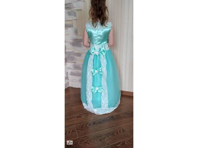 продам Святкова  випускна сукня для садочка чи школи бу в Ставище