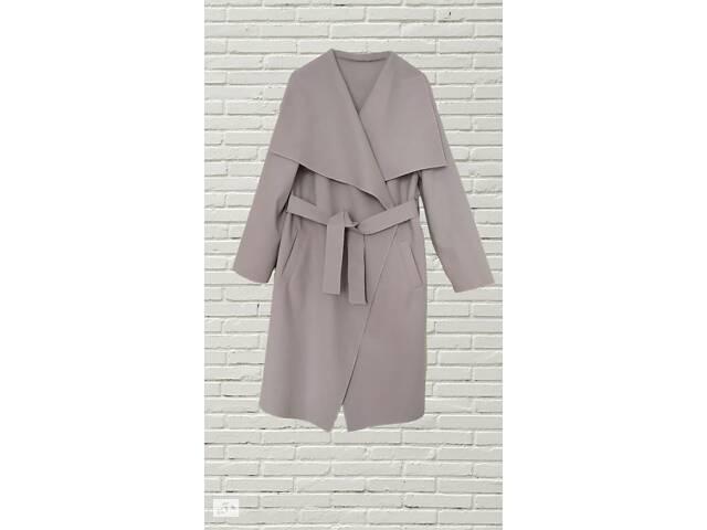 Весняне стильне пальто
