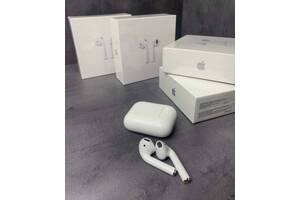 AirPods 2 with Wireless Charging Case