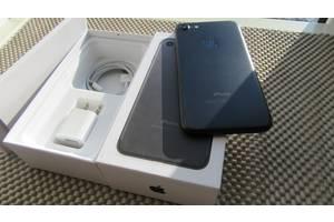 IPhone 7 Black 128GB Neverlocked з комплектом в ідеальному стані.