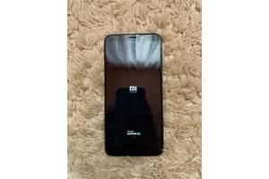 Продам смартфон Xiaomi Redmi 5 plus в хорошем состоянии