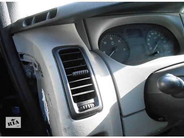 бу Дефлектор, обдув воздуха Opel Vivaro Опель Виваро Renault Trafic Рено Трафик Nissan в Ровно