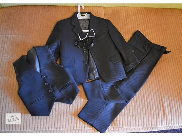 продам Детский костюм тройка бу в Полтаве