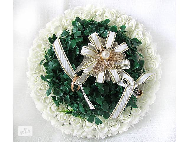 купить бу Дизайнерская свадебная подушечка из роз круглая с травкой айвори в Киеве