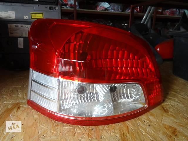 фонарь задний для седана Toyota Yaris 2005-12- объявление о продаже  в Львове