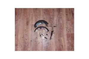 Гальмівні колодки задні комплект (розпірна планка з ремкоплектом ручного гальма) Фіат Добло