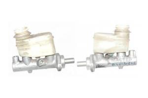 б/у Главные тормозные цилиндры Toyota Avensis