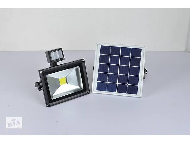 бу Прожектор уличный светодиодный на солнечной батарее ZJL GY-SFL-20A c датчиком движения 20w. в Дубно
