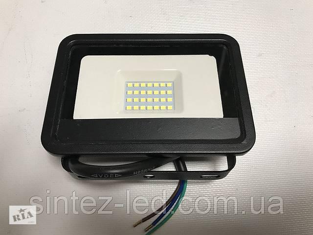 Светодиодный прожектор со встроенным датчиком движения PREMIUM SLS16-20 20W 6500K IP65 Код.59338- объявление о продаже  в Киеве