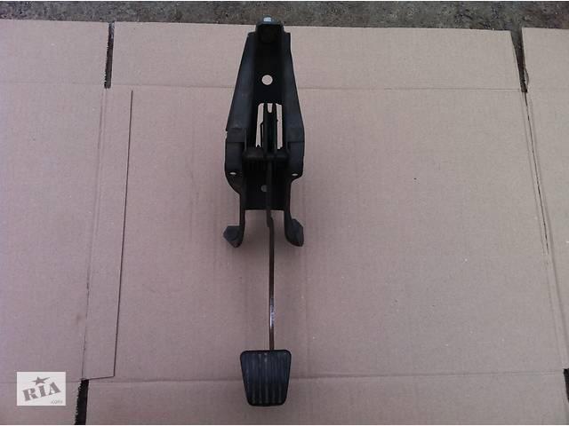 купить бу Б/у педаль зчеплення для Opel Astra F в Виннице
