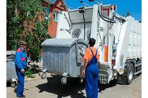 Різноробочий на сміттєвоз (Польща)