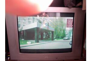 Телевизор SUTURN 72см