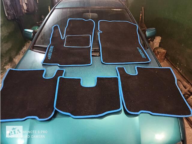 купить бу Б/у коврики автомобильные (Ковёр салона) для Mazda 323F 1994-1998 в Виннице