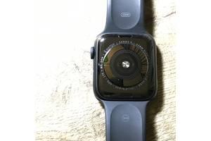 Apple Watch 44  мм  5 серия черного цвета