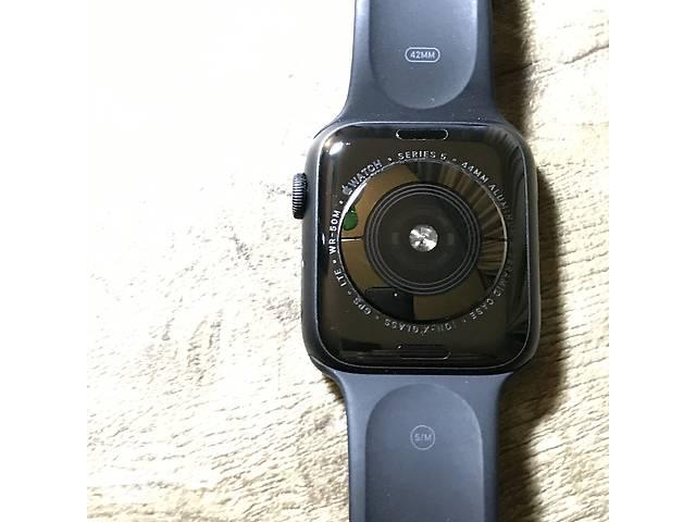 Apple Watch 44  мм  5 серия черного цвета- объявление о продаже  в Кривом Роге