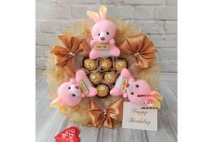 Букет с мягкими игрушками и конфетами, подарок на день рождения