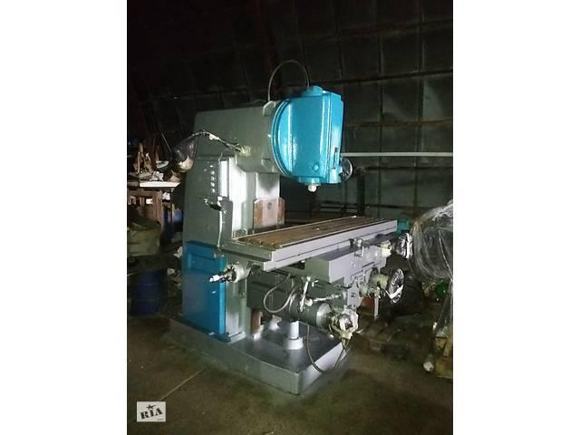 Станок для фрезерных работ, вертикально - фрезерный 6Р13, размер стола 1600х400 мм