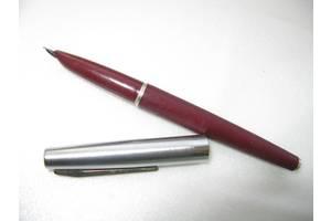 Ручка перьевая чернильная.